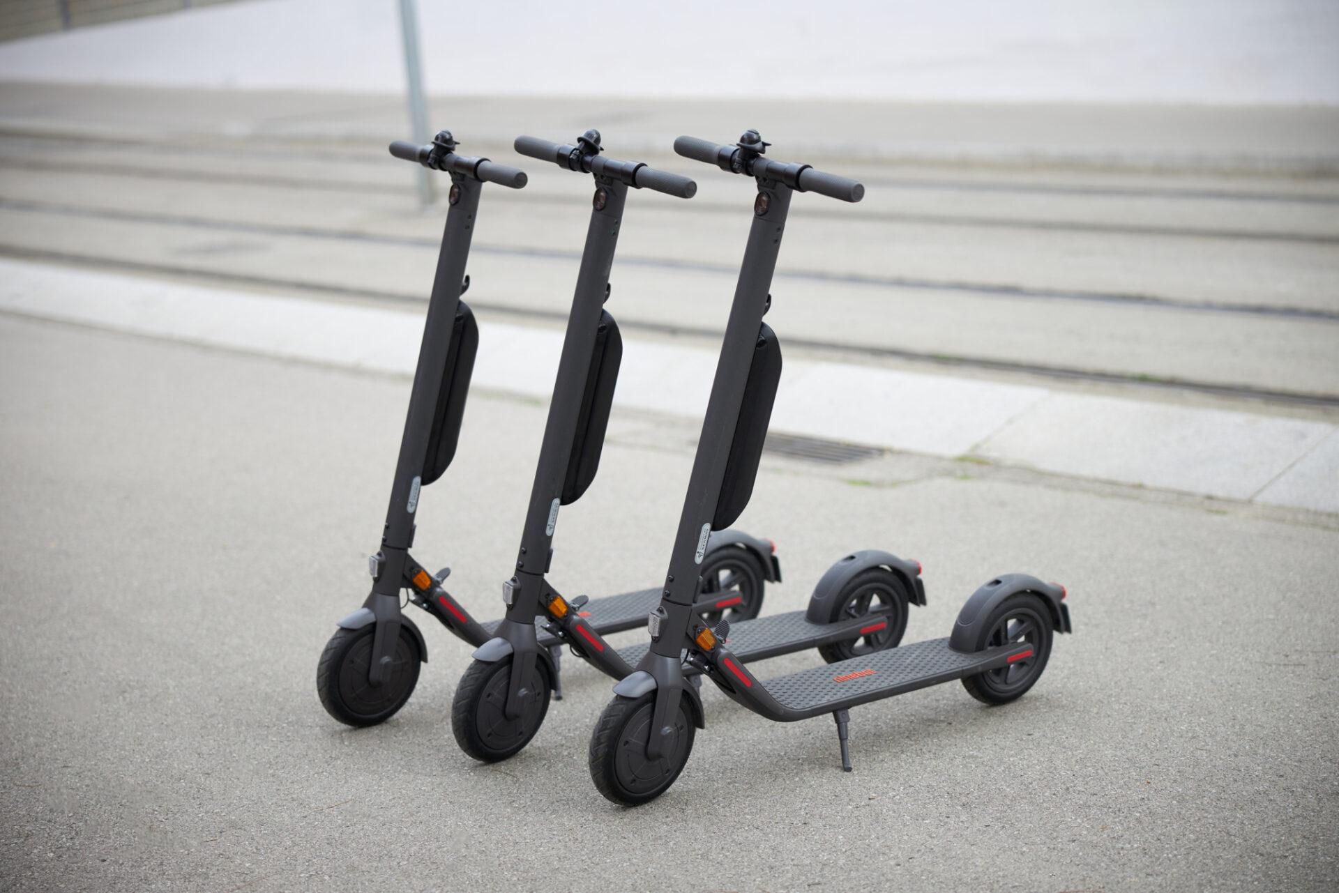 Compatible with the ES1/ES2/ES2L/E22D/E45D KickScooter