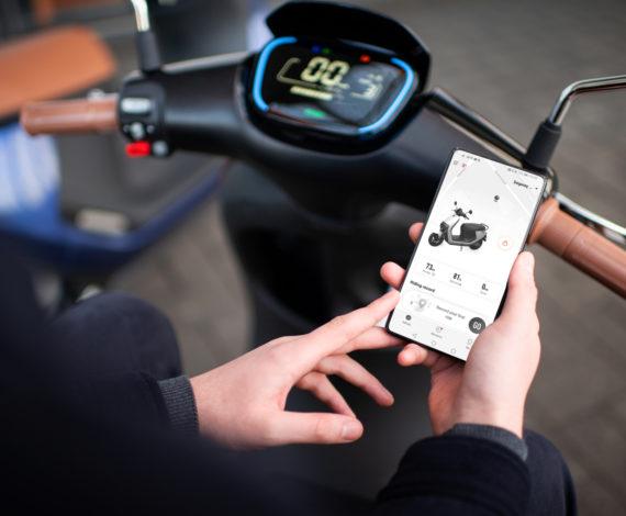 Використовуйте мобільний додатокSegway-Ninebot App