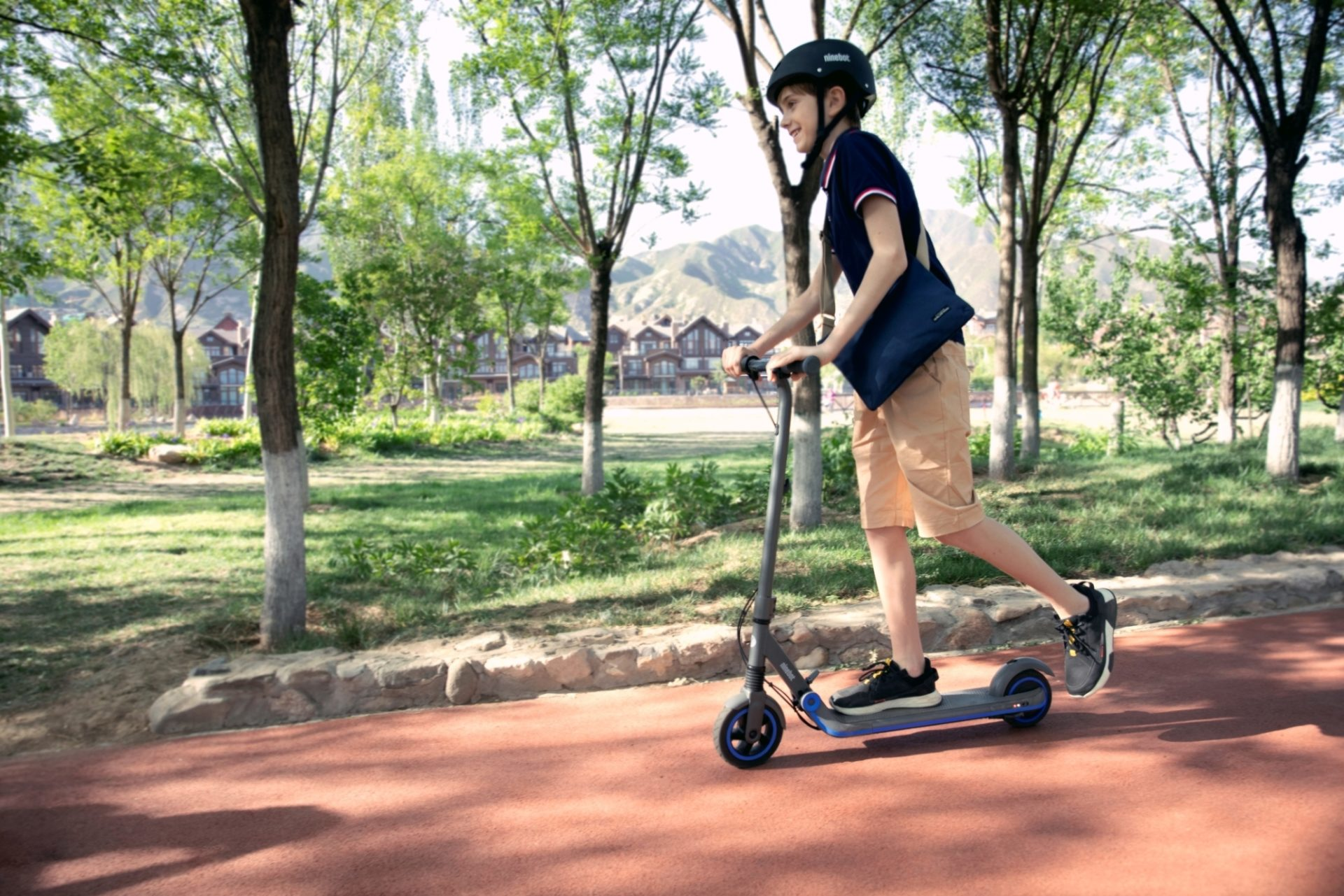 Try the 3 ways of Riding your eKickScooter!