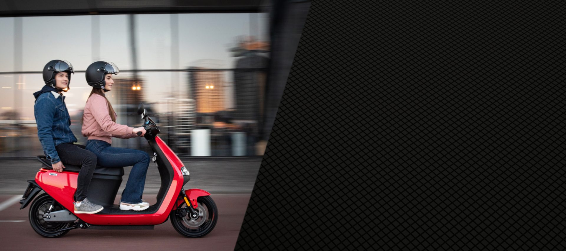 Customize and choose the riding mode that fits your need